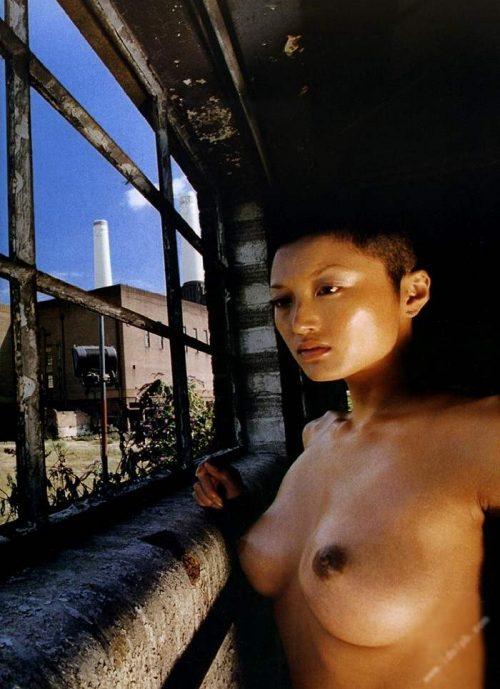 井上晴美 ヌード画像017