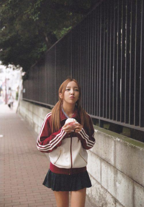 板野友美 画像073