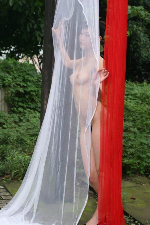 中国人野外ヌード画像 019
