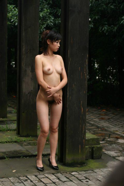 中国人野外ヌード画像 032