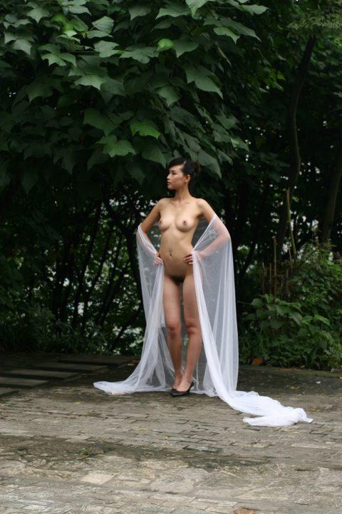 中国人野外ヌード画像 045