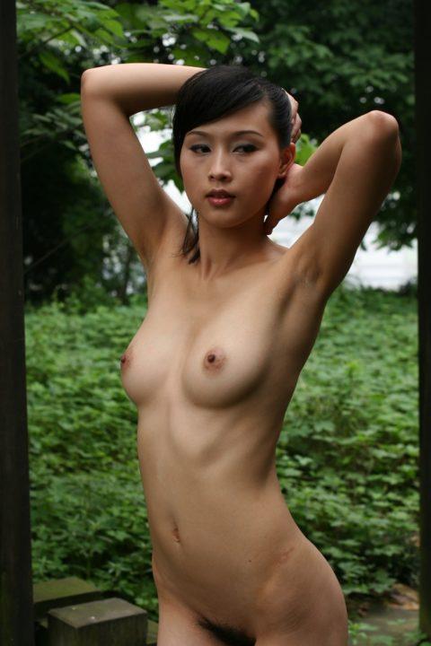 中国人野外ヌード画像 083