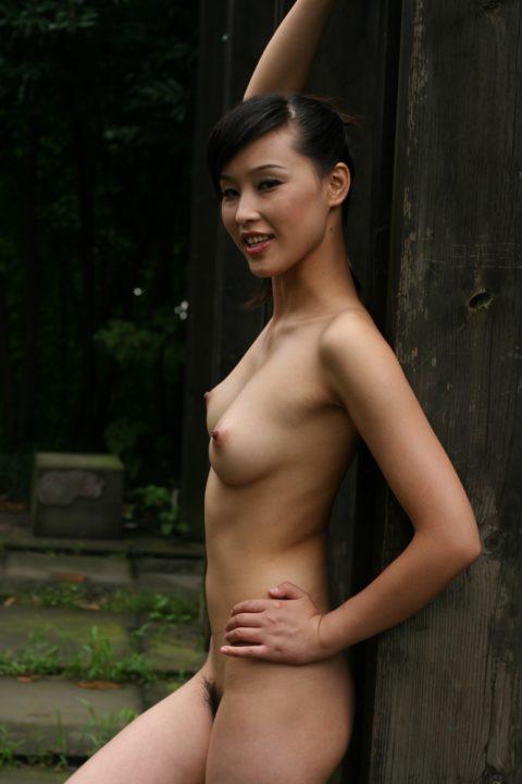 中国人野外ヌード画像 091