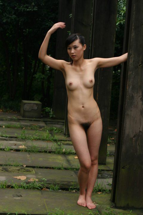 中国人野外ヌード画像 093