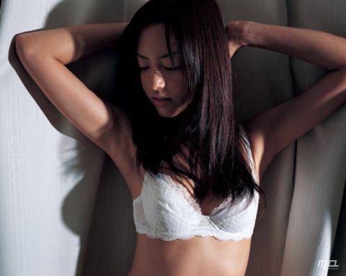 尾形沙耶香画像 107