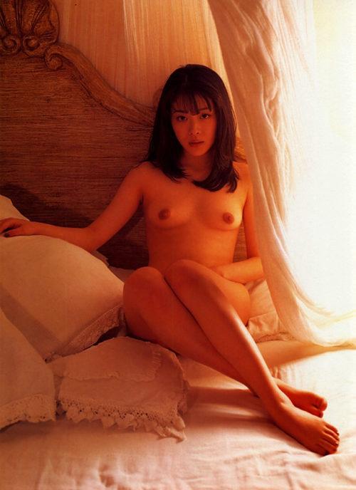 有沢比呂子 ヌード画像 072