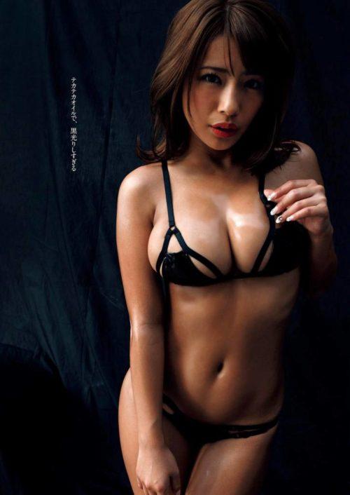 橋本梨菜 061