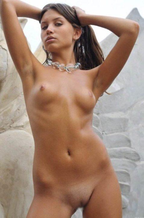 外国人野外ヌード 画像097