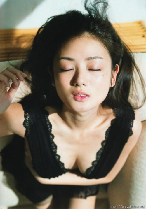 片山萌美 画像012