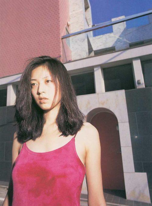 高岡早紀 画像003