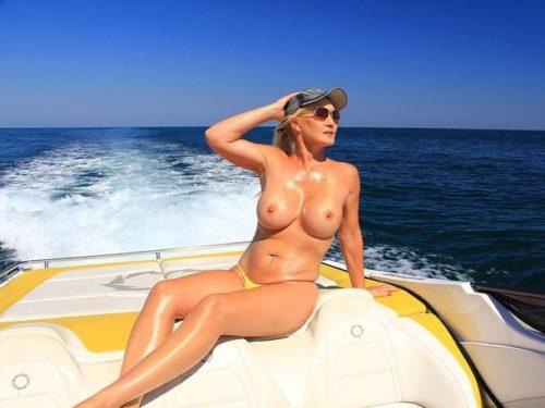 船上露出 画像054