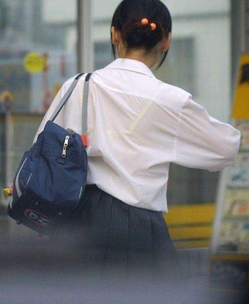 JK透けブラ 画像004