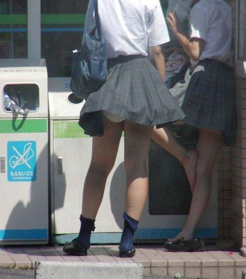 JKパンチラ 画像(強風)021