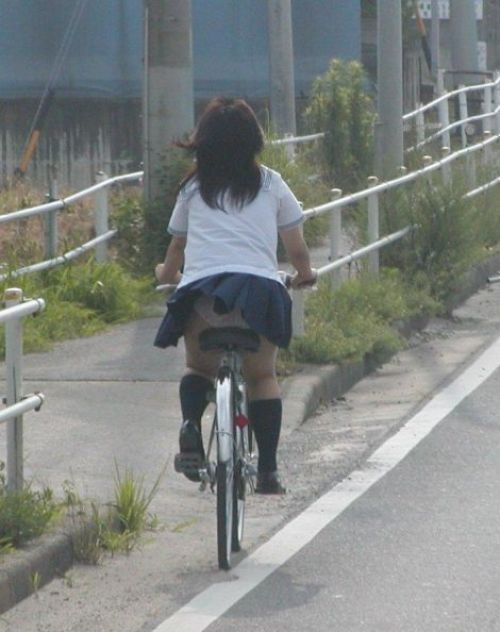 JK自転車パンチラ 画像160枚!登下校のラッキーハプニングエロ画像!
