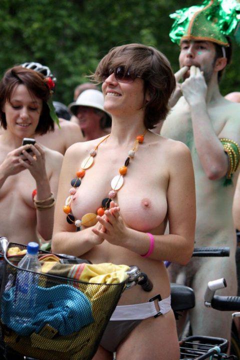 全裸サイクリング 画像014