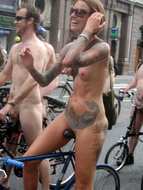全裸サイクリング 画像015