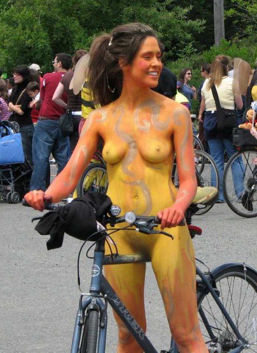 全裸サイクリング 画像021