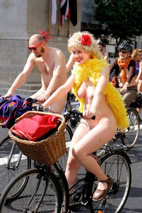 全裸サイクリング 画像036