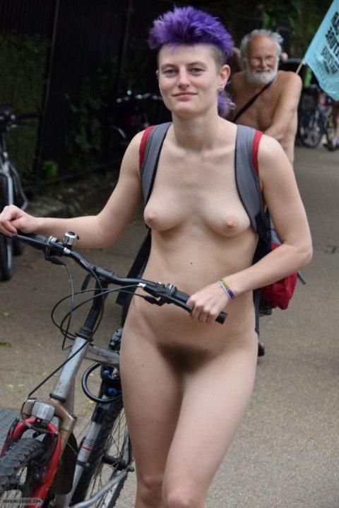 全裸サイクリング 画像038