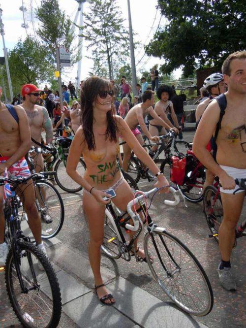 全裸サイクリング 画像050