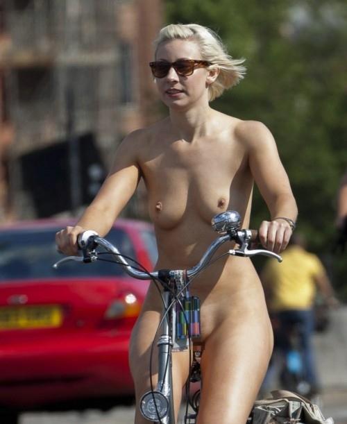 全裸サイクリング 画像065