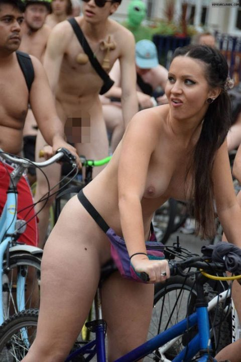 全裸サイクリング 画像072
