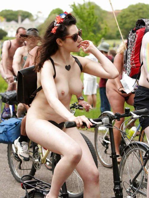 全裸サイクリング 画像073