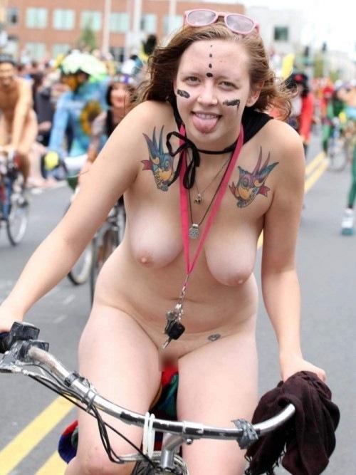 全裸サイクリング 画像074