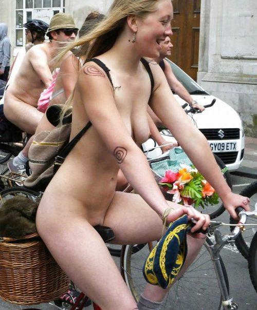 全裸サイクリング 画像082