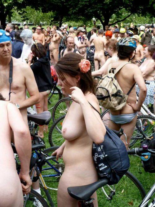 全裸サイクリング 画像092
