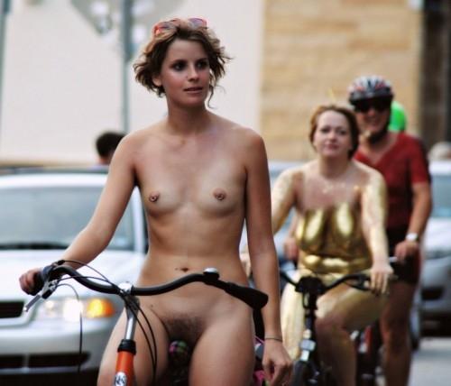 全裸サイクリング 画像117