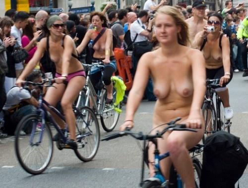 全裸サイクリング 画像118