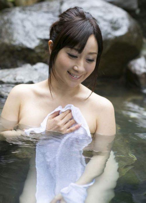 熟女ヌード 画像057