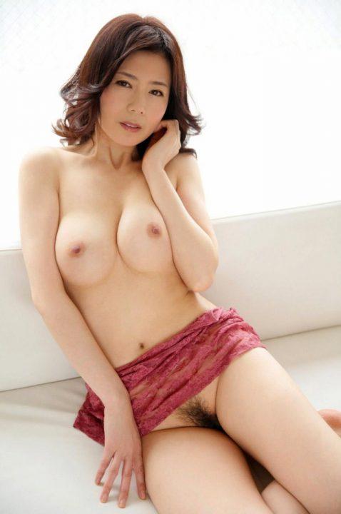 熟女ヌード 画像089
