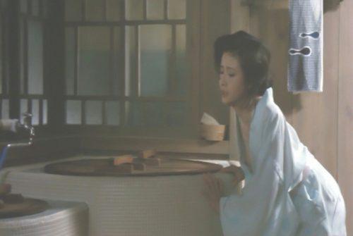 小柳ルミ子 ヌード画像075