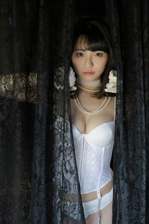 片岡沙耶 画像025