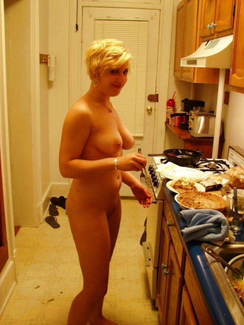 裸キッチン 画像007