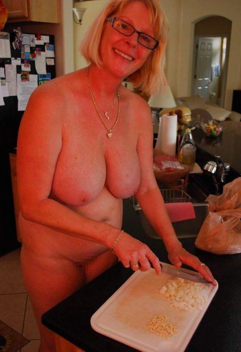 裸キッチン 画像012