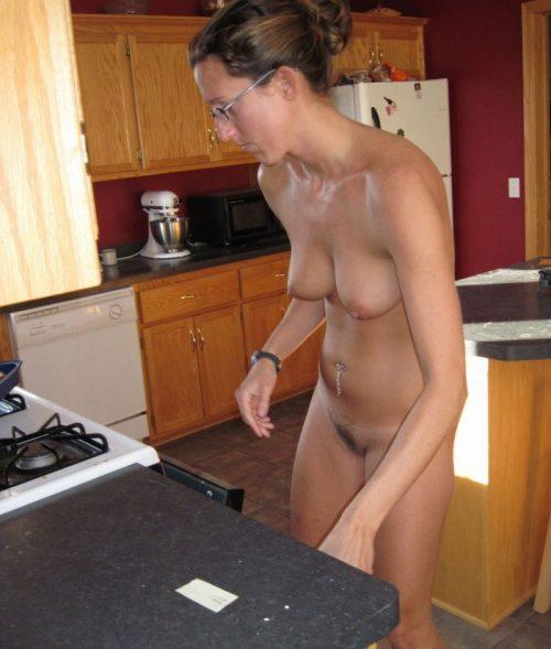 裸キッチン 画像045