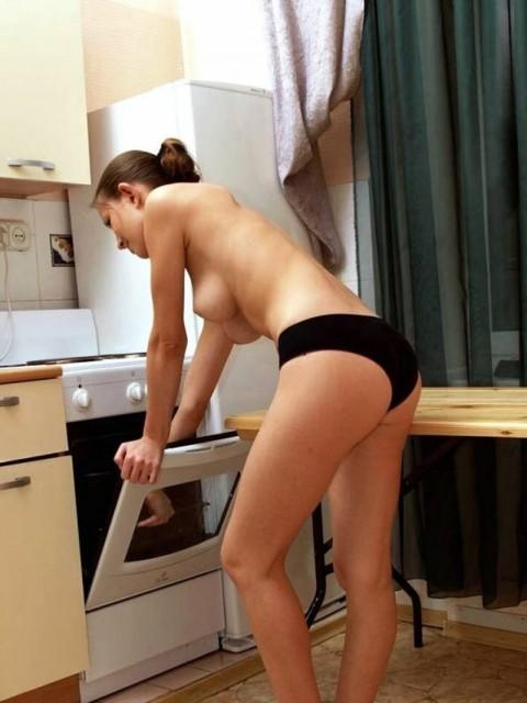 裸キッチン 画像057