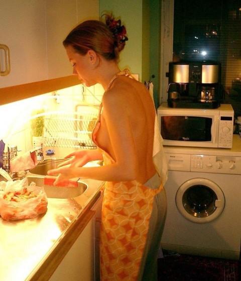 裸キッチン 画像059