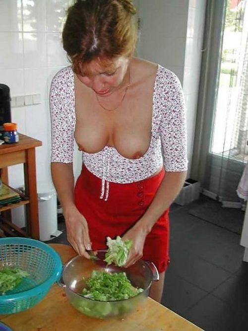 裸キッチン 画像064