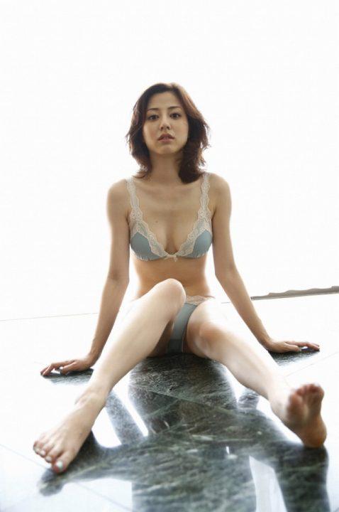 杉本有美 画像180枚!スレンダーで美脚の水着エロ画像!