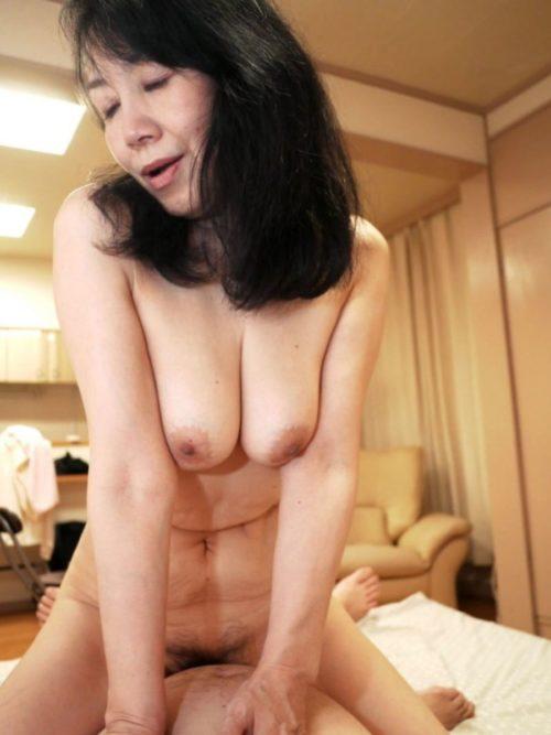 熟女セックス 画像024