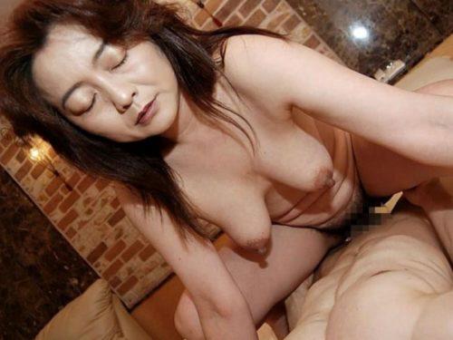 熟女セックス 画像141