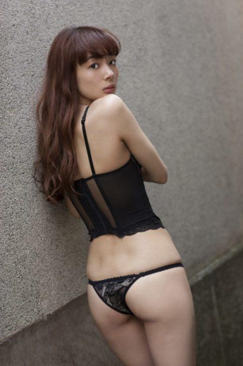 岡田紗佳 画像012