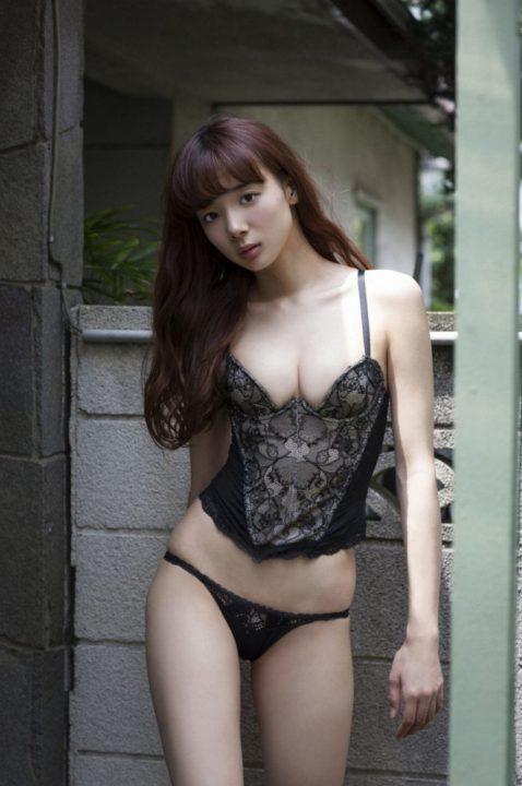 岡田紗佳 画像015