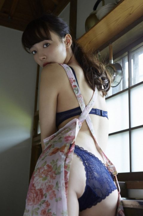 岡田紗佳 画像059
