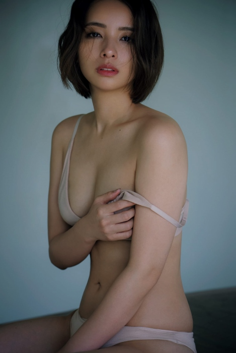 水崎綾女 画像007