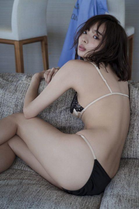 岡田紗佳 画像023